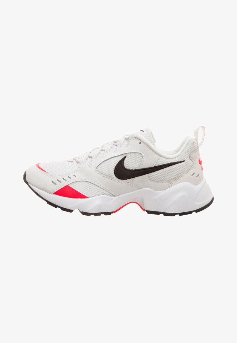 Nike Sportswear - AIR HEIGHTS  HERREN - Sneaker low - light grey