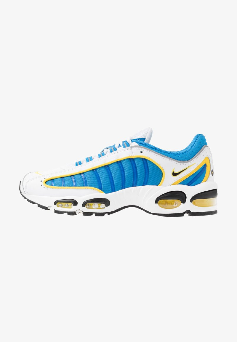 Nike Sportswear - AIR MAX TAILWIND IV - Tenisky - white/light photo blue/speed yellow/white