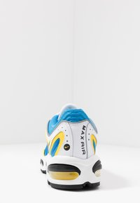 Nike Sportswear - AIR MAX TAILWIND IV - Tenisky - white/light photo blue/speed yellow/white - 3