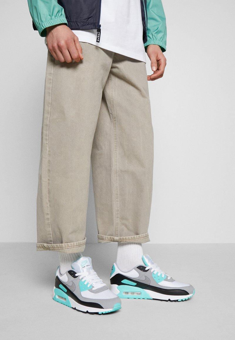 Nike Sportswear - AIR MAX 90 - Sneakers - white/particle grey/light smoke grey/black/hyper turq