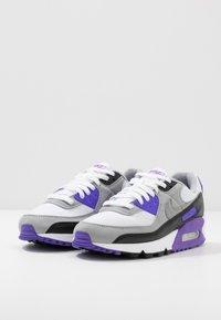 Nike Sportswear - AIR MAX 90 - Baskets basses - white/particle grey/light smoke grey/black/hyper grape - 5