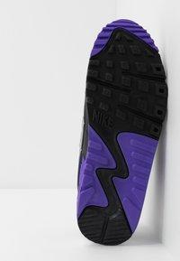 Nike Sportswear - AIR MAX 90 - Baskets basses - white/particle grey/light smoke grey/black/hyper grape - 7