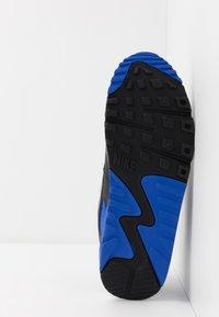Nike Sportswear - AIR MAX 90 - Trainers - white/particle grey/light smoke grey/black/hyper royal - 4