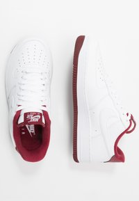 Nike Sportswear - AIR FORCE 1 '07 - Sneakers basse - white/university red - 1