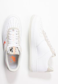 Nike Sportswear - AIR FORCE 1 '07 LV8 - Trainers - white/total orange/summit white/black - 1