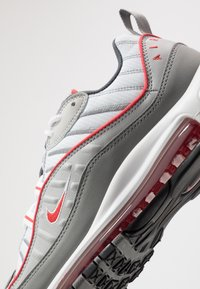 Nike Sportswear - AIR MAX 98 - Sneakers laag - particle grey/track red/iron grey/grey fog/white