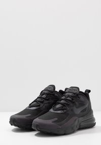 Nike Sportswear - AIR MAX  REACT - Sneakers laag - black/oil grey/white - 2
