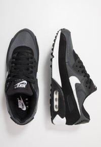 Nike Sportswear - AIR MAX 90 - Zapatillas - black/white/metallic silver - 1