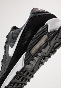 Nike Sportswear - AIR MAX 90 - Trainers - black/white/metallic silver - 5