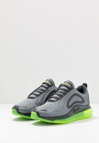 Nike Sportswear - AIR MAX 720 - Sneakersy niskie - smoke grey/electric green/anthracite - 2
