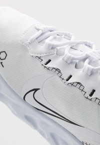 Nike Sportswear - REACT 55 - Baskets basses - white/black - 5