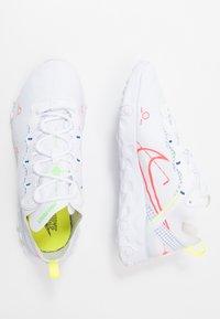 Nike Sportswear - REACT 55 - Baskets basses - white/laser crimson/racer blue/green strike/lemon/black - 1