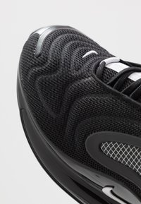 Nike Sportswear - AIR MAX 720 RVL - Baskets basses - black/white - 5