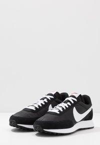 Nike Sportswear - AIR TAILWIND 79 - Trainers - black/white/team orange - 3