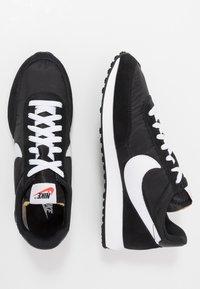 Nike Sportswear - AIR TAILWIND 79 - Trainers - black/white/team orange - 2