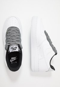 Nike Sportswear - AIR FORCE 1 '07 LV8 - Sneakers - white/cool grey/pure platinum/black