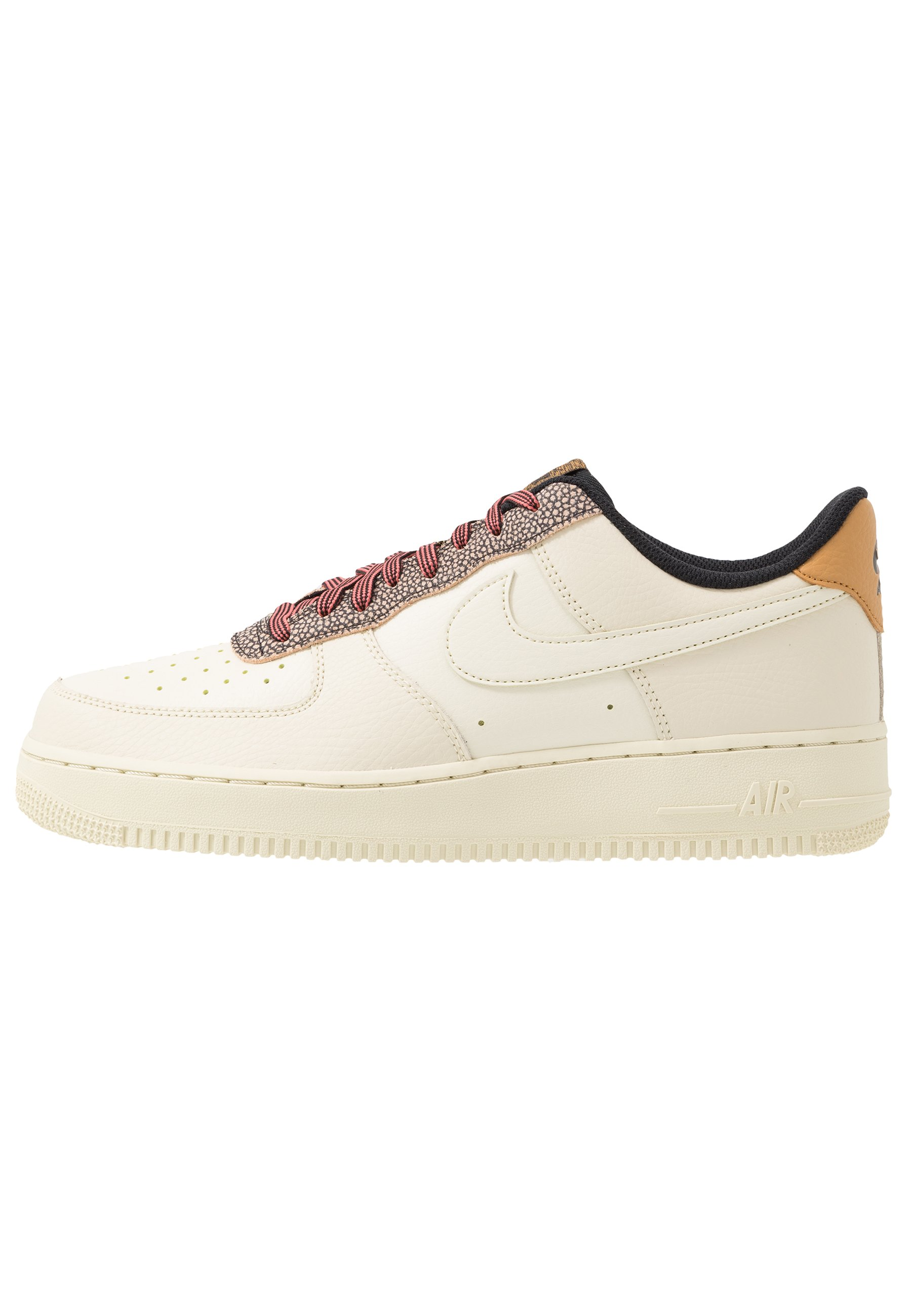 AIR FORCE 1 '07 LV8 Sneakers laag wheatshimmerclub goldblack