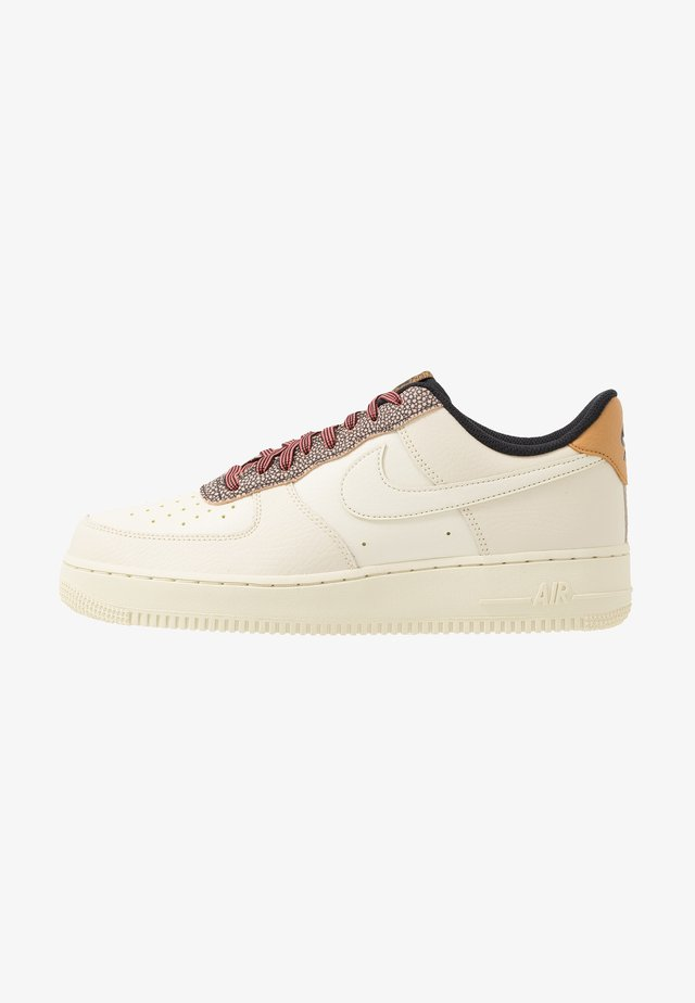 AIR FORCE 1 '07 LV8 - Sneakers laag - wheat/shimmer/club gold/black