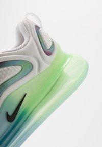Nike Sportswear - AIR MAX 720 20 - Sneakersy niskie - summit white/black/white/metallic silver - 2