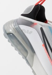 Nike Sportswear - AIR MAX 2090 - Trainers - white/black/pure platinum/bright crimson/wolf grey/blue hero - 5