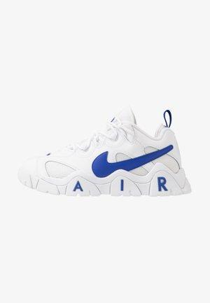 AIR BARRAGE - Sneakers - white/hyper blue