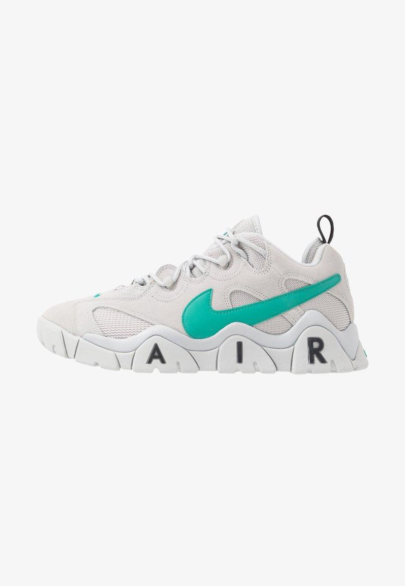 Nike Sportswear - AIR BARRAGE - Sneakersy niskie - grey fog/neptune green/vast grey/black