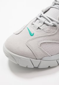 Nike Sportswear - AIR BARRAGE - Sneakersy niskie - grey fog/neptune green/vast grey/black - 5