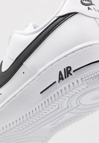 Nike Sportswear - AIR FORCE 1 '07 AN20  - Sneakers - white/black - 5