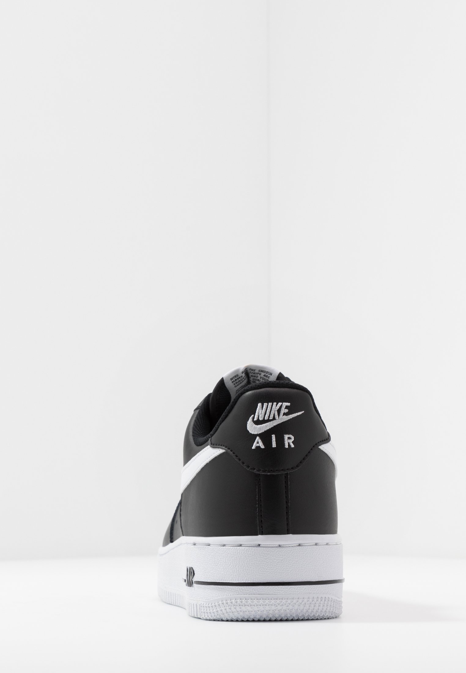 AIR FORCE 1 '07 AN20 Sneakers laag blackwhite