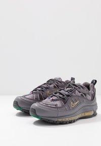 Nike Sportswear - AIR MAX 98 KML - Sneakers - gunsmoke/thunder grey/oil grey - 2
