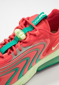 Nike Sportswear - AIR MAX 270 REACT ENG - Sneakers laag - track red/barely volt/magic ember/neptune green/team red - 5