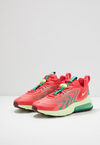 Nike Sportswear - AIR MAX 270 REACT ENG - Sneakers laag - track red/barely volt/magic ember/neptune green/team red - 2