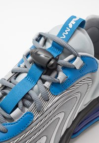 Nike Sportswear - AIR MAX 270 REACT ENG - Trainers - light smoke grey/battle blue/smoke grey/black/hyper blue/white - 5