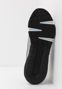 Nike Sportswear - AIR MAX 2090 - Joggesko - wolf grey/white/particle grey/pure platinum/topaz gold/black - 4