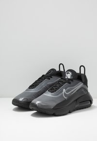 Nike Sportswear - AIR MAX 2090 - Baskets basses - black/white/wolf grey/anthracite/reflect silver - 2