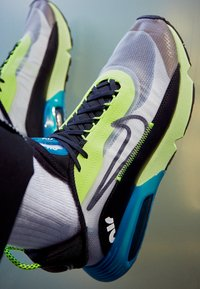 Nike Sportswear - AIR MAX 2090 - Sneakersy niskie - white/black/volt/blue force/barely volt - 2