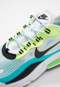 Nike Sportswear - AIR MAX 270 REACT SE - Baskets basses - oracle aqua/black/ghost green/washed coral/white - 5