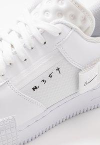 Nike Sportswear - AF1-TYPE  - Sneakers basse - white/black - 5