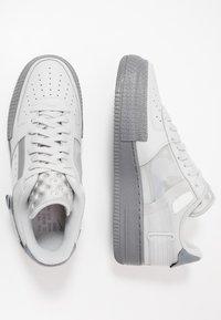 Nike Sportswear - AF1-TYPE  - Matalavartiset tennarit - grey fog/cool grey - 1