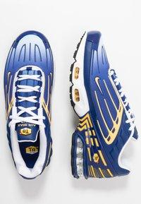Nike Sportswear - AIR MAX PLUS III - Trainers - deep royal/topaz gold/white - 1