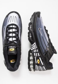 Nike Sportswear - AIR MAX PLUS III - Sneakers laag - black/white - 1