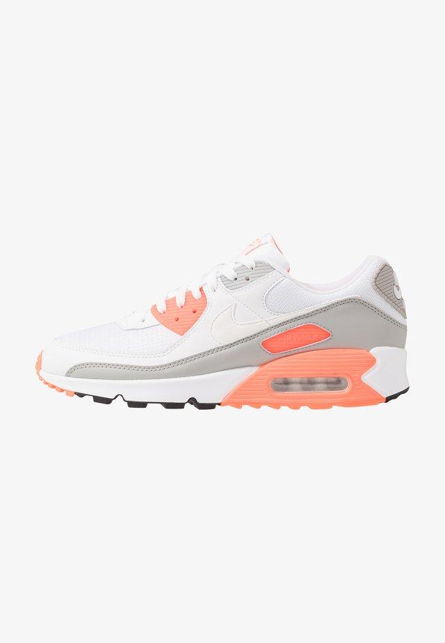 AIR MAX 90 - Sneakers laag - white/hyper orange/light smoke grey