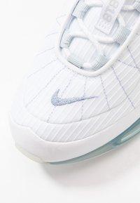 Nike Sportswear - MX-720-818 - Trainers - white/indigo fog/pure platinum/hyper crimson - 5