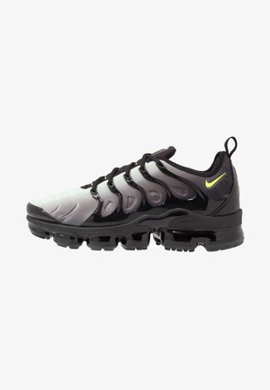 AIR VAPORMAX PLUS - Sneakers - black/volt/pistachio frost