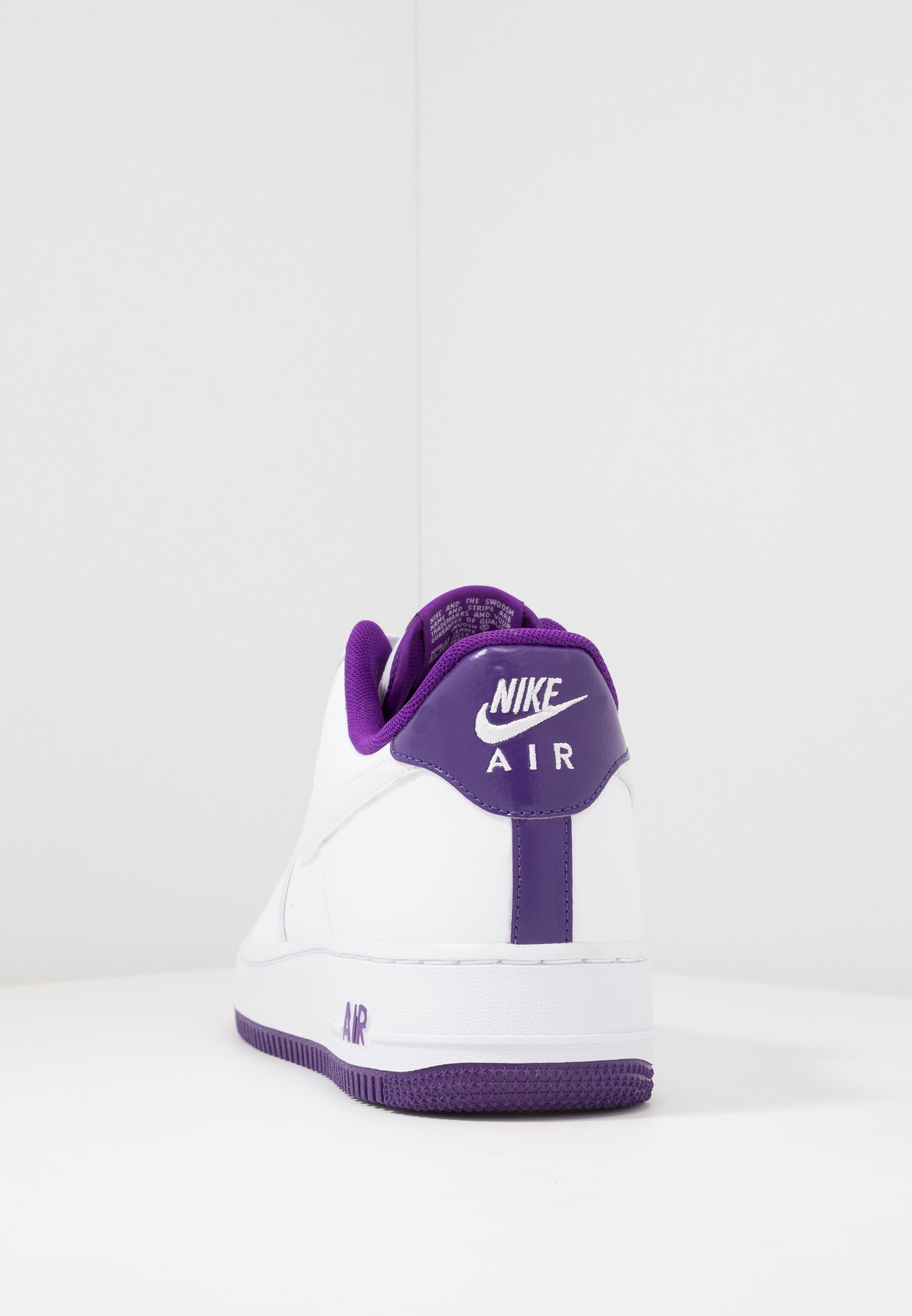 AIR FORCE 1 '07 Sneakers laag whitevoltage purple