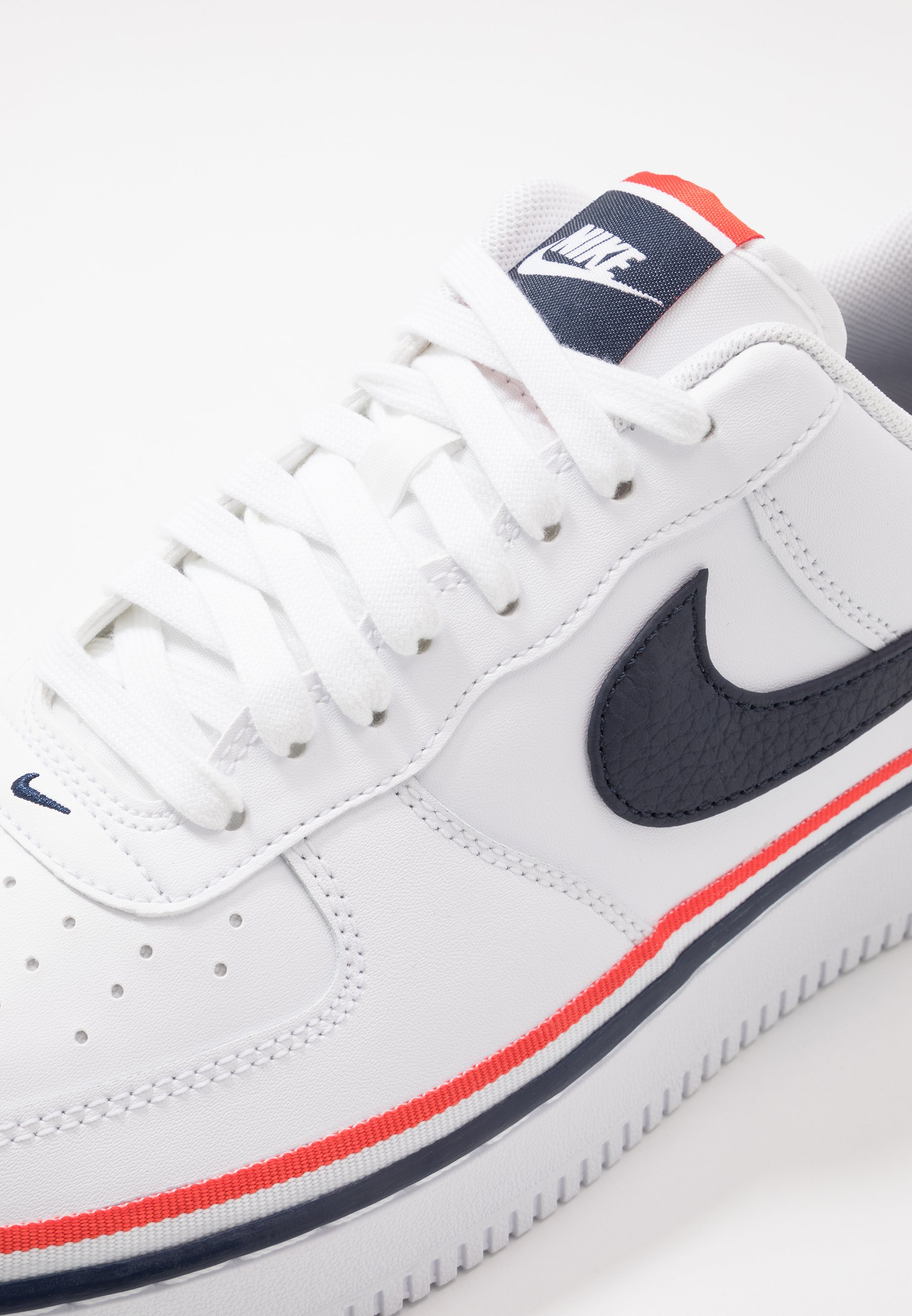 AIR FORCE 1 '07 LV8 Sneaker low whiteobsidianhabanero red