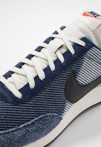 Nike Sportswear - AIR TAILWIND 79 SE - Trainers - midnight navy/black/blue force/sail/team orange - 5