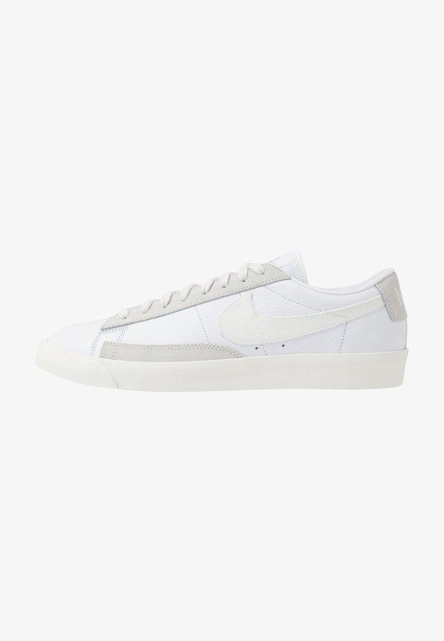 BLAZER - Tenisky - white/sail/platinum tint