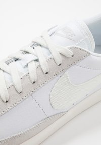 Nike Sportswear - BLAZER - Sneakersy niskie - white/sail/platinum tint - 5