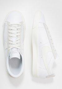 Nike Sportswear - BLAZER - Sneakersy niskie - white/sail/platinum tint - 1
